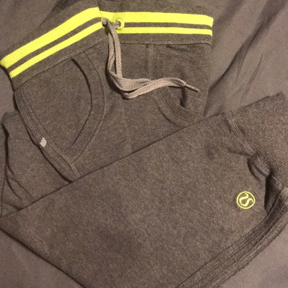 Lululemon French Terry Cropped Joggers